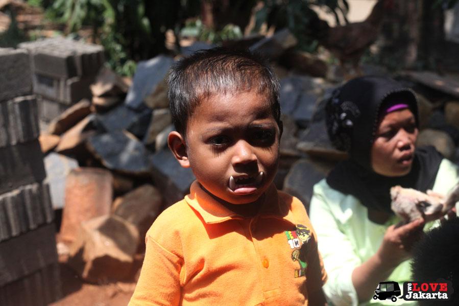 tasha may_welovejakarta_we love jakarta_Habitat for Humanity_Sentul_Aku bangun Indonesia_NGO Jakarta_local Indonesian kids in the village