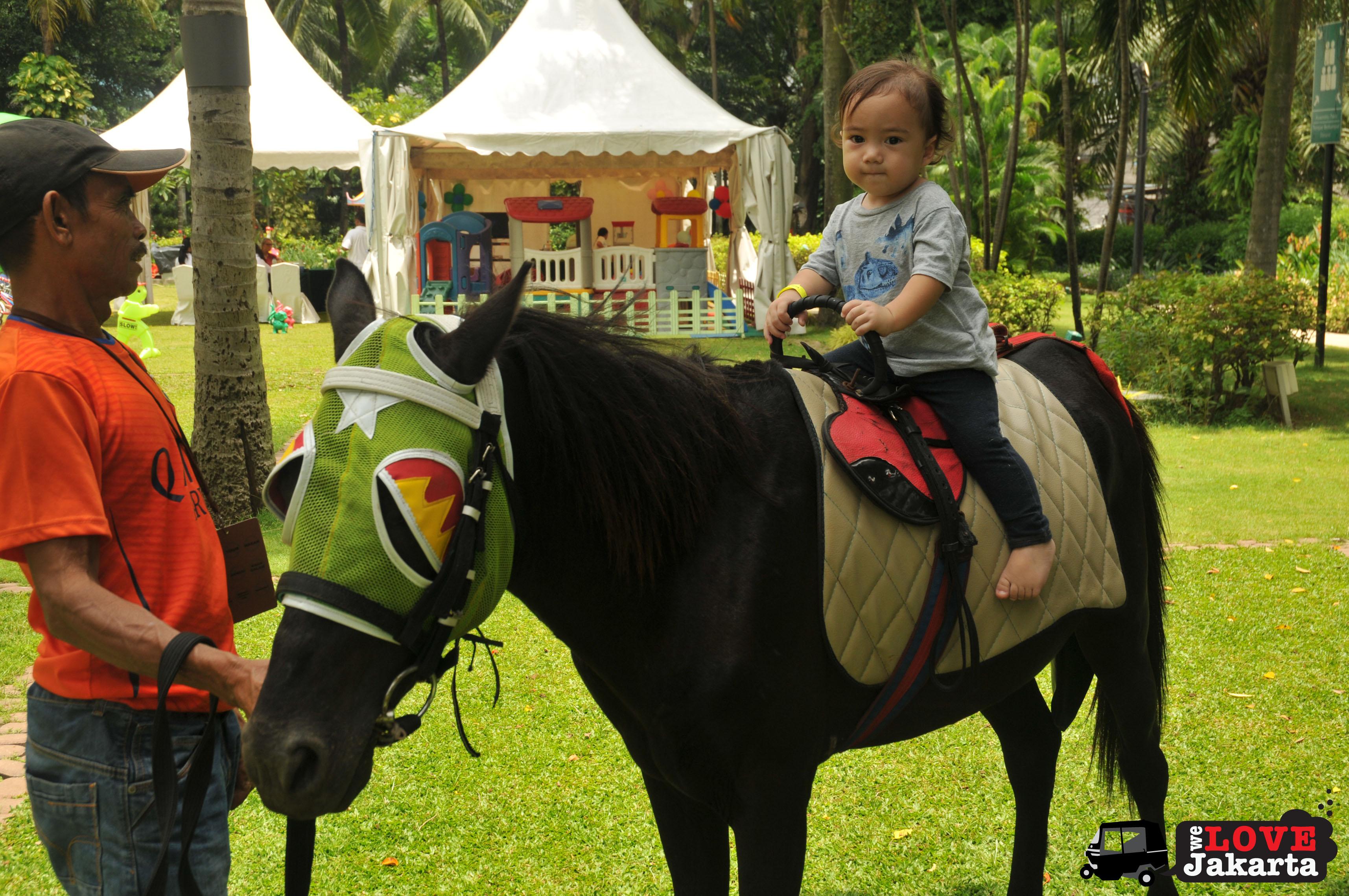 tasha may_welovejakarta_we love jakarta_Shangri-La Hotel Jakarta_Jakarta Kids Club_kids in Jakarta_Playdates Jakarta_Pony Rides Jakarta_Horse rides Jakarta
